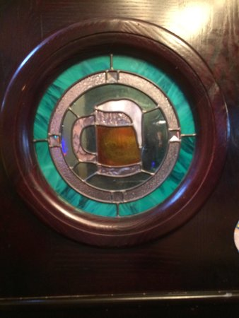 Creekside Pub & Brewery : Stained glass everywhere