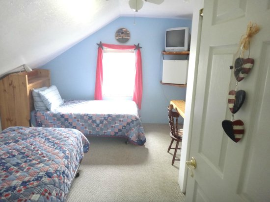Fairfield, MT: twin bed room