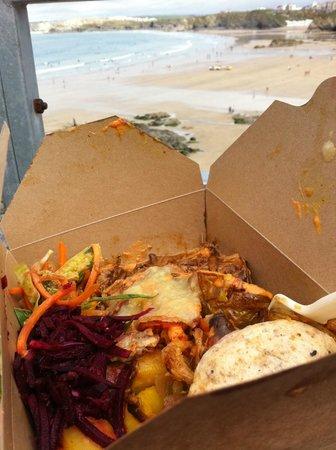 Gusto Grill & Roast: Enjoying my scummy lunch overlooking the beach :-)