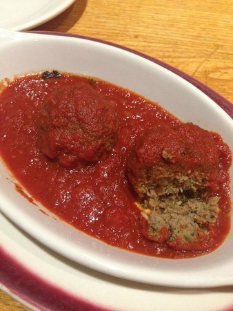 Papa Del's Pizza: Meatballs