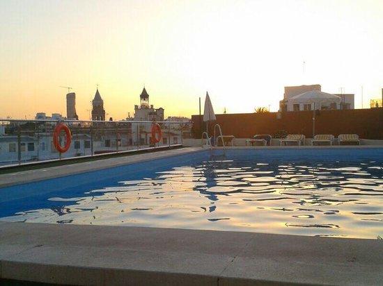 Hotel Don Paco: Piscina al atardecer