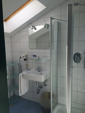 Hotel Christine: Baño