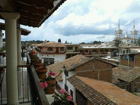 Hostal El Lenador: Vista desde el balcon de la habitación 35
