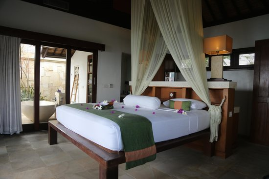 Batu Karang Lembongan Resort & Day Spa: Our room in Villa 14