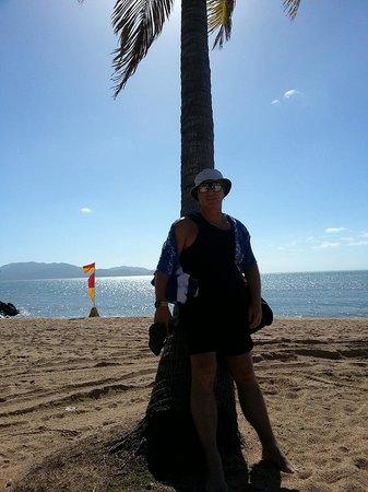 Aquarius on the Beach: Patrolled beach across the road