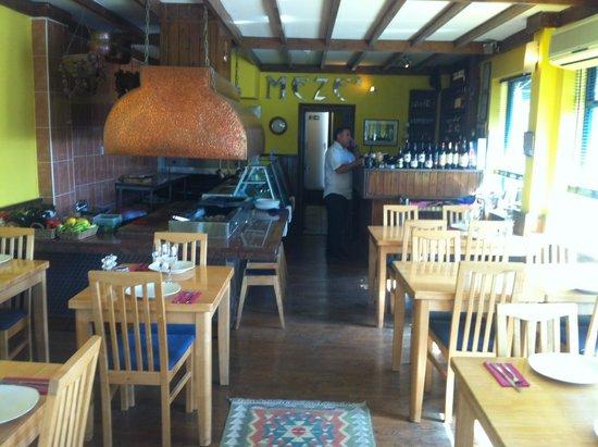 Meze restaurant: Welcoming atmosphere