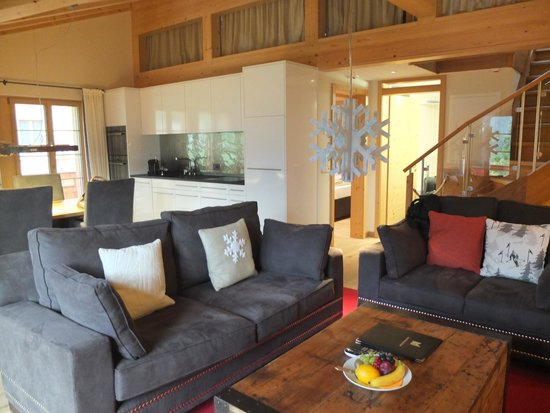 Aspen Alpin Lifestyle Hotel Grindelwald: The Living Area in our Suite