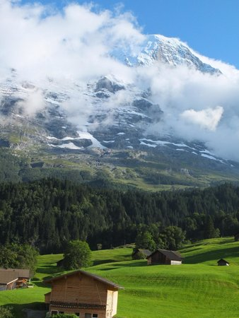 Aspen Alpin Lifestyle Hotel Grindelwald: View of the Eiger from one of our Balconies