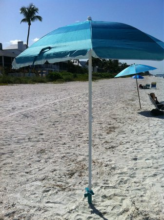 Homewood Suites by Hilton - Bonita Springs: Free beach umbrella and Chair frm homewood bonita springs