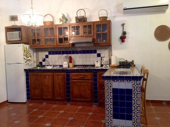 Villas Santo Niño: Full kitchen Studio Yerbabuena
