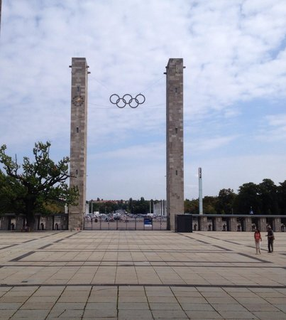 Olympiastadion: Olympic Rings