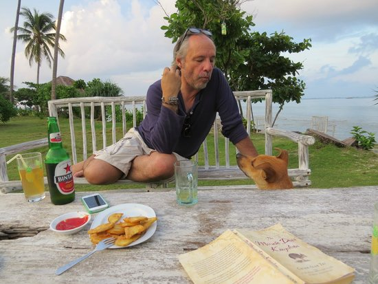 Trikora Beach Club & Resort: The irresistible, indefatigable 3-and-a-wonky-legged, Sparkles