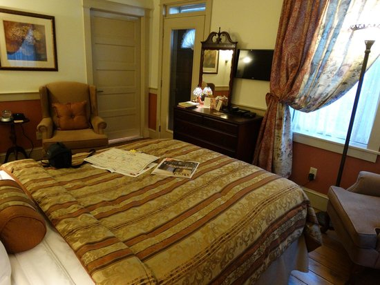 After Eight Bed & Breakfast: Room #3