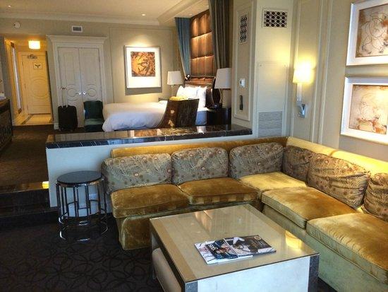 The Palazzo Resort Hotel Casino: sitting/work area