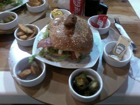 Nam Nam : Lo más nuevo de la carta, hamburguesa Mexicana!!!!