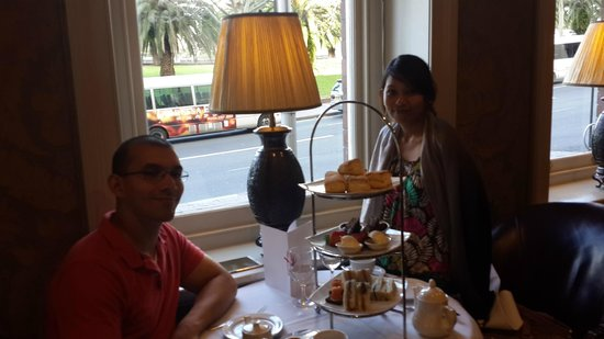 Sir Stamford at Circular Quay Hotel Sydney: High tea at The Bar - amazing