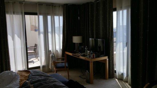 Hyatt Regency Nice Palais de la Mediterranee: Suite overview