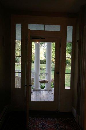 Prospect Hill Plantation Inn: Front porch