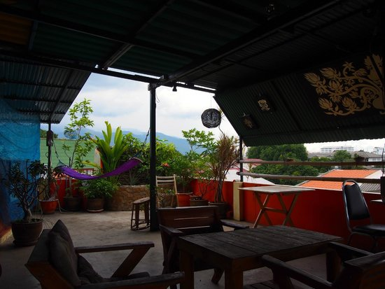 Diva Guesthouse: Upstairs on the room deck