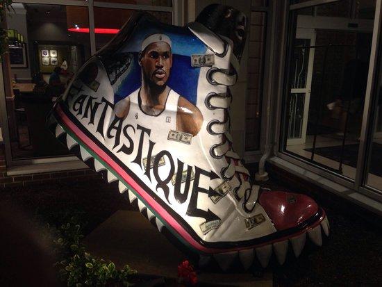 Hilton Garden Inn Springfield: Distintion of the basketball hall of fame!!!