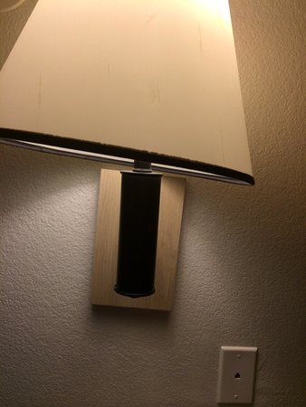 Motel 6 San Simeon : Crooked light (and the switch was loose--my husband had to fix it) Room 209