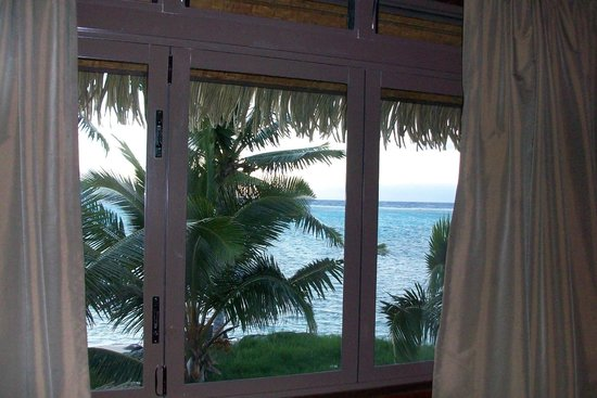 Te Manava Luxury Villas & Spa: View from bed in the morning