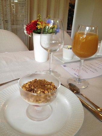 The Inn at Cliffhouse Tagaytay: Breakfast