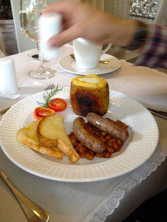 The Inn at Cliffhouse Tagaytay: Set breakfast
