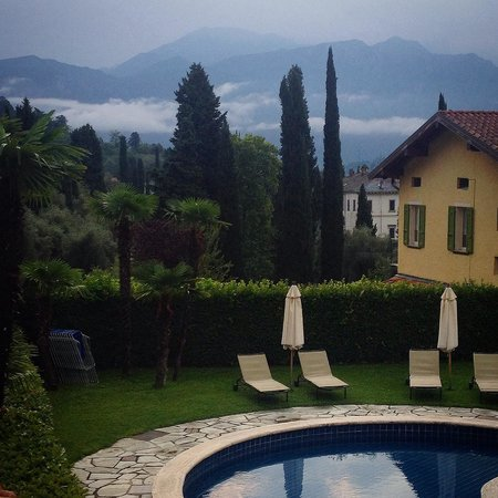 Hotel Villa Edy: Morning in Villa Edy