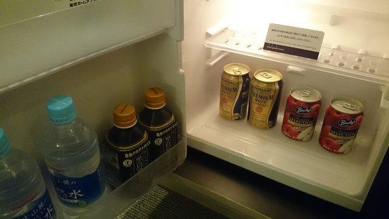 Mitsui Garden Hotel Ginza Premier: 冷蔵庫の中身