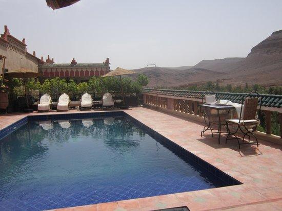 Auberge La Terrasse des Delices : piscine , beauté du lieu , magie...