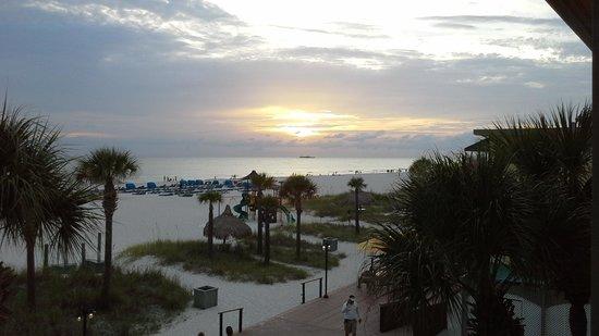 Sirata Beach Resort: Beachfront view