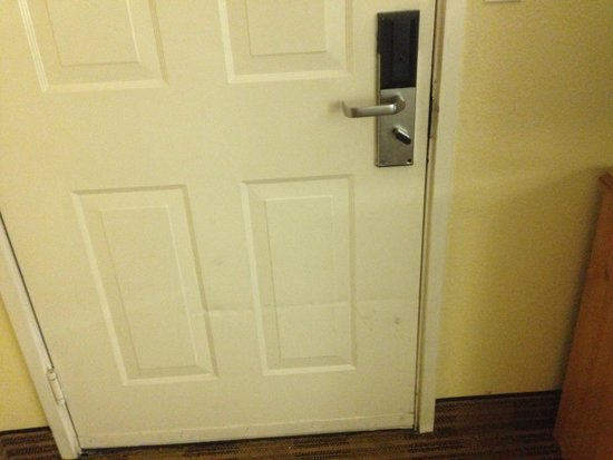 Extended Stay America - Kansas City - Shawnee Mission: Unsafe doors violation OSHA standards