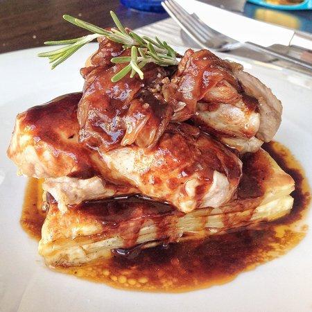 Restaurante Safra 21: Solomillo de cerdo con milhojas y cebolla caramelizada