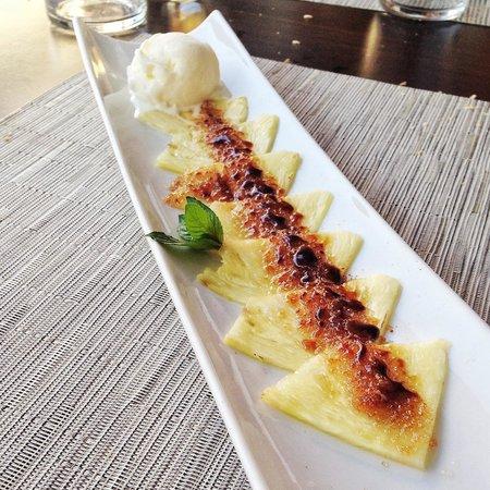 Restaurante Safra 21: Carpaccio de piña con helado de coco