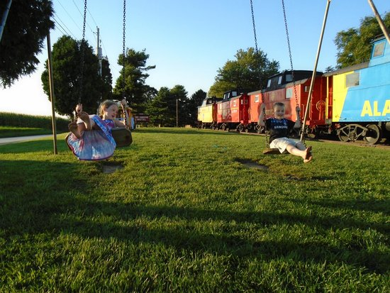 Red Caboose Motel, Restaurant & Gift Shop: Red Caboose Motel is paradise for kids of all ages!