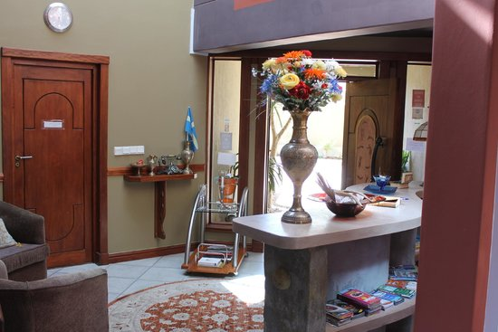 Kumbaya House West Beach Cape Town: Reception/Lobby area