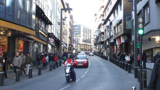 Novotel Andorra: Nearby Shopping