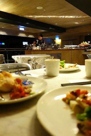 HOTEL QUOTE Taipei : 朝食(バイキング)