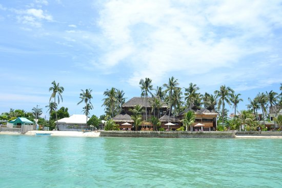 The Coral Blue Oriental Beach Villas & Suites: view of the hotel from the water