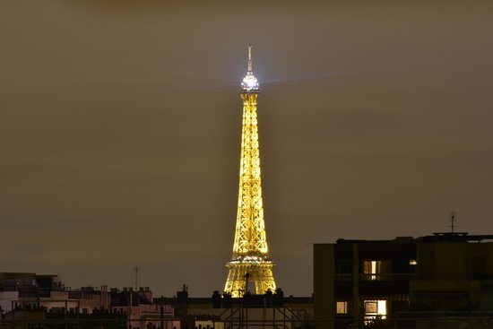Ibis Paris Boulogne Billancourt : Eiffel Tower view from Hotel window at Night Time