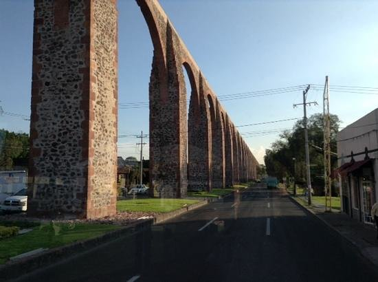 El Acueducto De Queretaro : acueducto de Queretaro