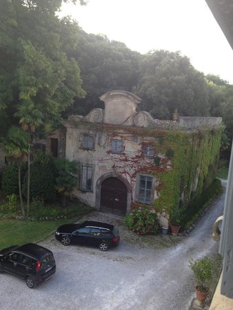 Relais dell'Ussero a Villa di Corliano: Bâtiment dans le parc