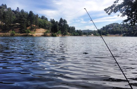 Lake Gregory Regional Park: Fishing at Lake Gregory