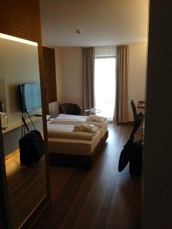 Hotel Conti Duisburg: Blick ins Zimmer