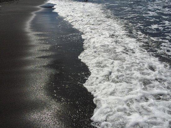 Baia Negra: La sabbia nera più bella mai vista!