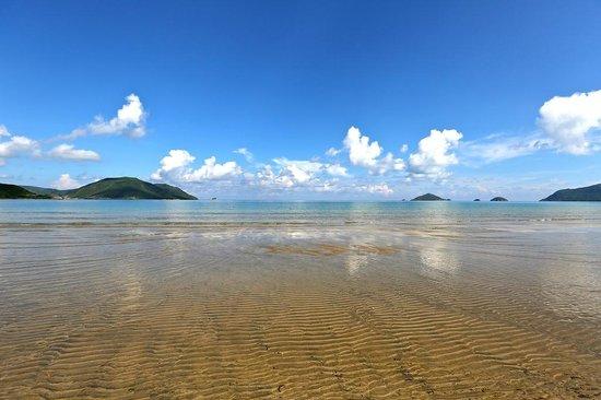 Six Senses Con Dao : Main Beach at Low Tide