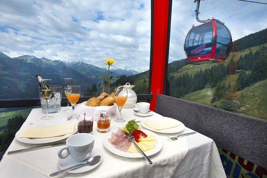 Hollersbach im Pinzgau, Austria: Gondelfrühstück