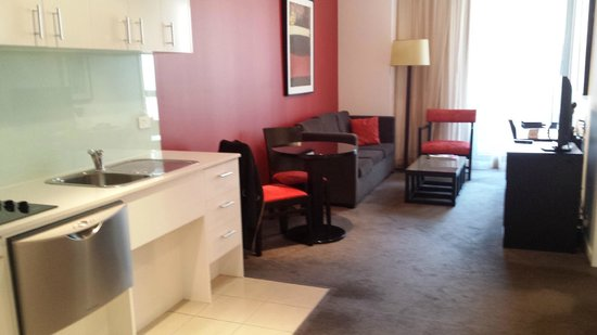 Adina Apartment Hotel Melbourne Northbank: Comfortable room