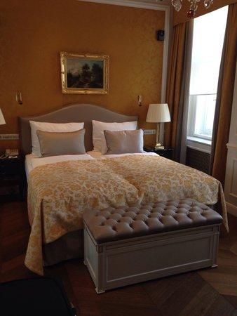 Hotel Sacher Wien: Camera 422, top deluxe con vista sul museo Albertina